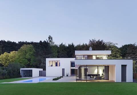 Villa im Bauhausstil in Köln-Hahnwald