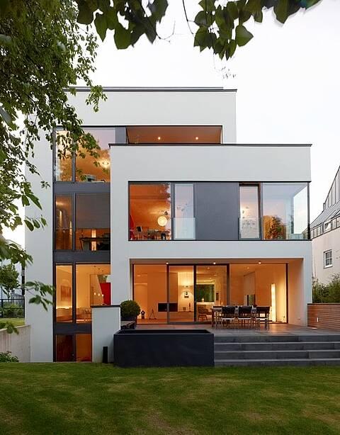 Villa im Bauhausstil in Köln-Lindenthal