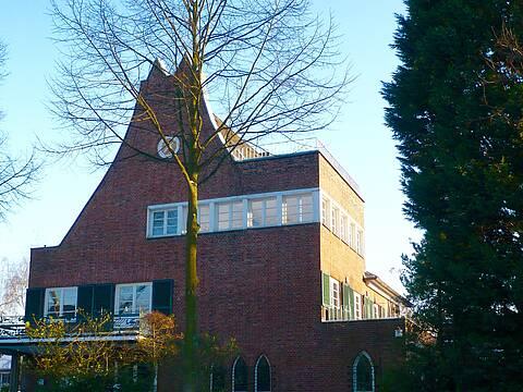 Dachgeschosswohnung in denkmalgeschützter Stadtvilla